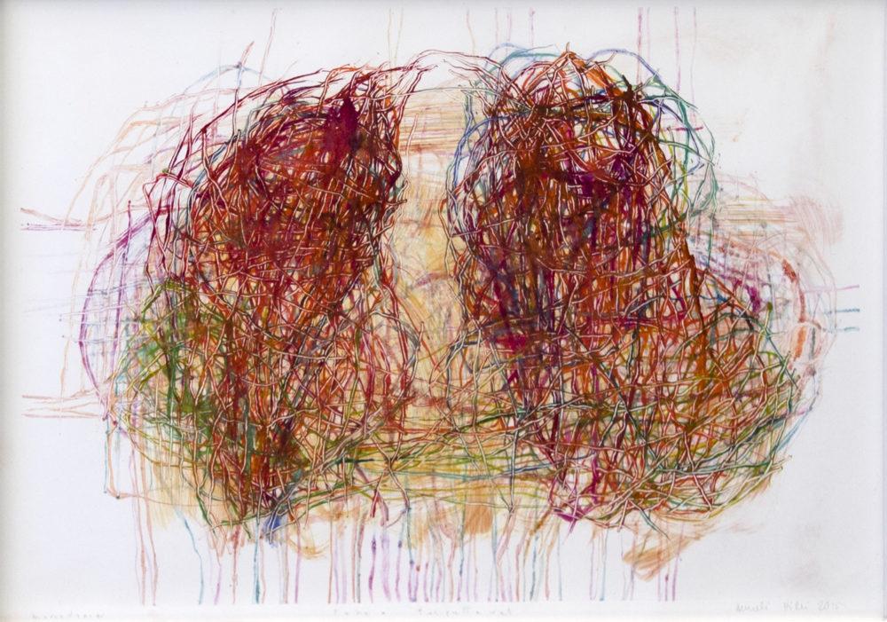 Abstrakti punasävyinen maalaus. Kaksi väreistä ja raavituista viivoista koostuvaa möykkyä kietoutuvat toisiinsa. Alhaalla himmeitä valumia.