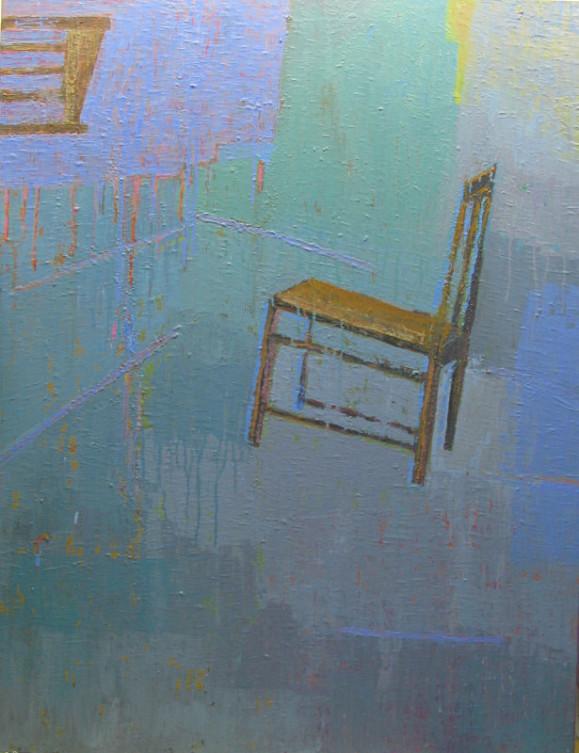 Ruskea tuoli sinertävänkirjavalla taustal, valumia.