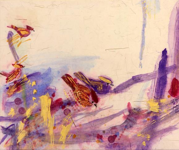 Punaisia ja violetteja lintuja- Kultaa, sinistä, punaista, violettia, pilkkuja. Valkoinen tausta.