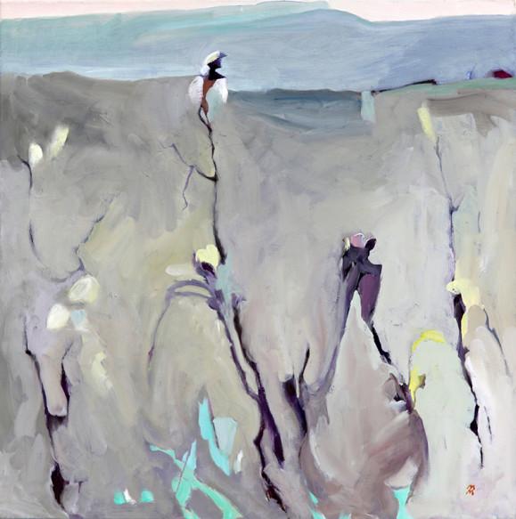Mustia oksia ja pajunkissoja vaaleanharmaalla taustalla, ripauksia sinistä ja keltaista. Yllä maalauksellinen horisontti ja sininen taivas.