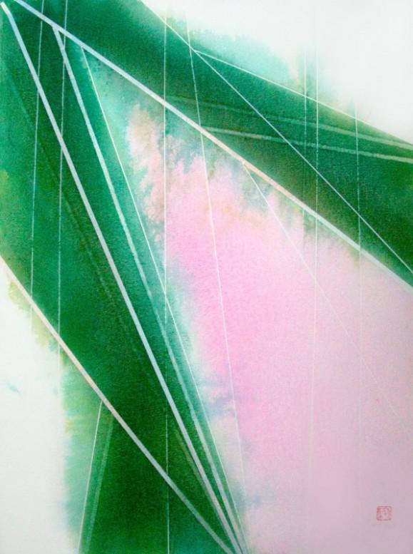 Ylävasemmalta laskeutuvia kulmikkaita vihreitä muotoja ja vaaleita raitoja. Heleää vaaleanpunaista taustalla.