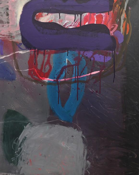 Tumma abstrakti maalaus violetin, sinisen, punaisen ja harmaan sävyissä.