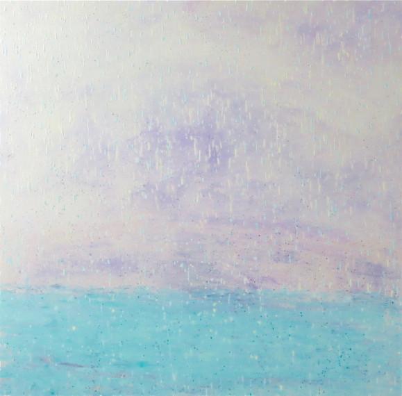 Valkoinen epämääräinen taivas, sadepisaroita, alalaidassa vaaleansinistä vettä.