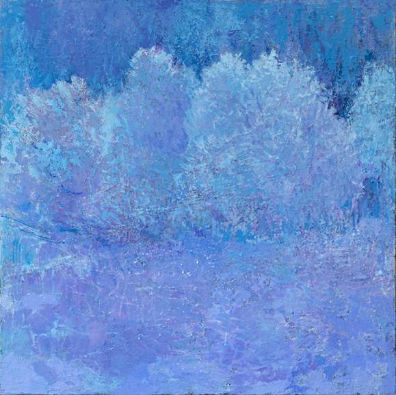 Huurteinen abstrakti maalaus, sinisen sävyjä joihin sekoittuu häivähdys violettia, rosoista tekstuuria.