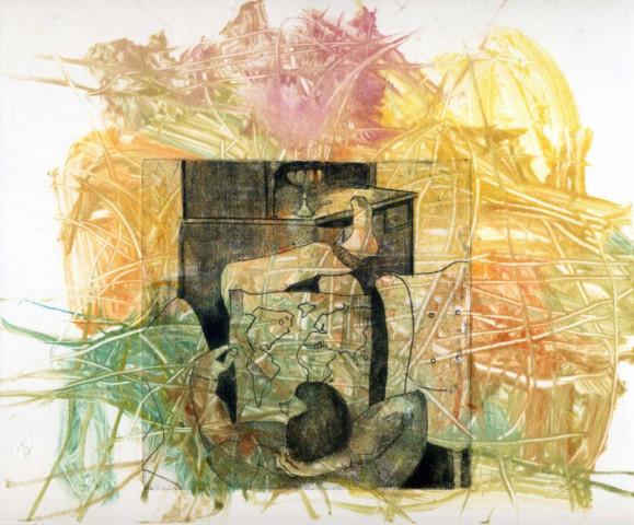Abstraktia maalausjälkeä ja raavintaa, vihreää, keltaista, punaista. Keskellä harmaa kuva miehestä katsomassa karttaa lipaston edessä.