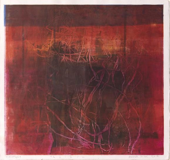 Neliö tummissa punaisen sävyissä, sisällä koukeroista viivaa, tekstuuria. Valkoinen pohja.