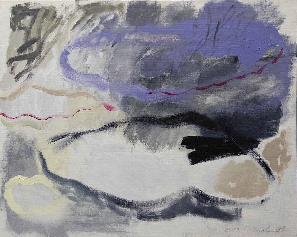 Vaaleanharmaasävyinen abstrakti maalaus, pilvimäisiä muotoja, sinistä ja mustaa, aaltoileva punainen viiva kulkee kankaan halki.