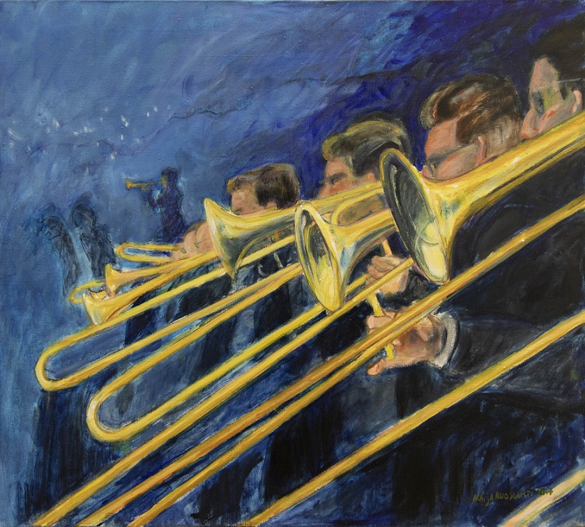 Ryhmä muusikoita, joiden soittamat kullankeltaiset pasuunat hallitsevat etualaa. Sininen maalauksellinen tausta.