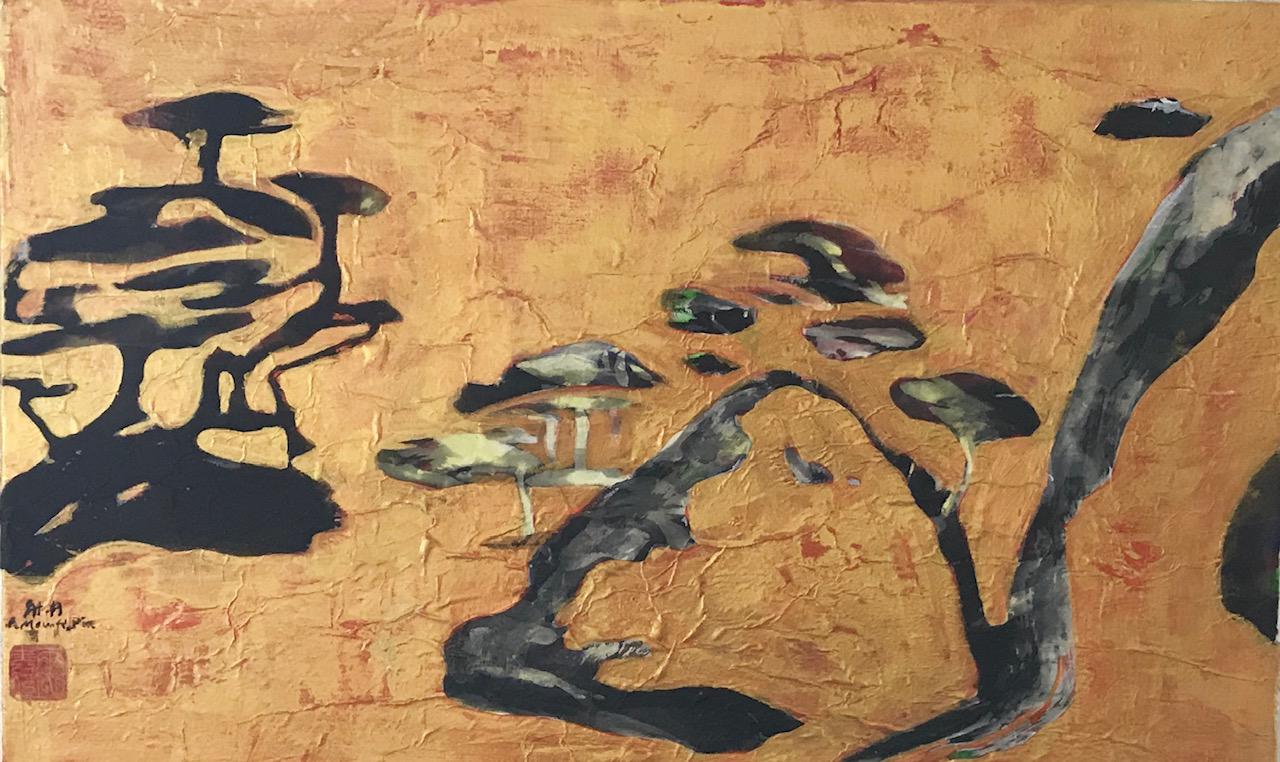 Tekstuurinen kultainen tausta, tummia ja maalauksellisia muotoja.