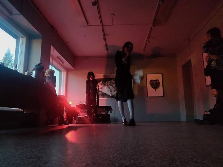 Musta perjantai Aarnissa: Uttunul live