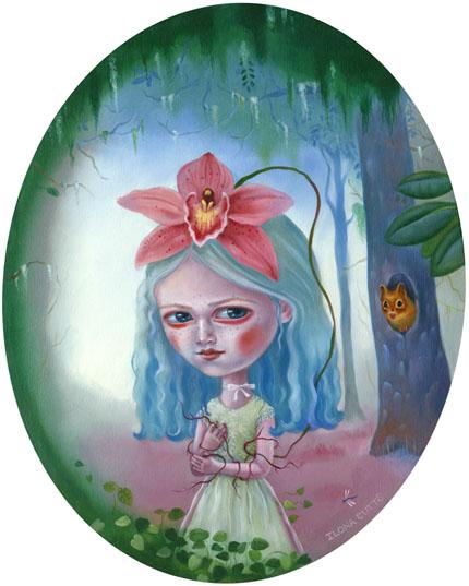 Unenomainen tyttö jolla on suuret ja luomoavat silmät seisoo satumetsän keskellä. Hänen päässään on iso Orkidea kukka ja käsissään juuret.