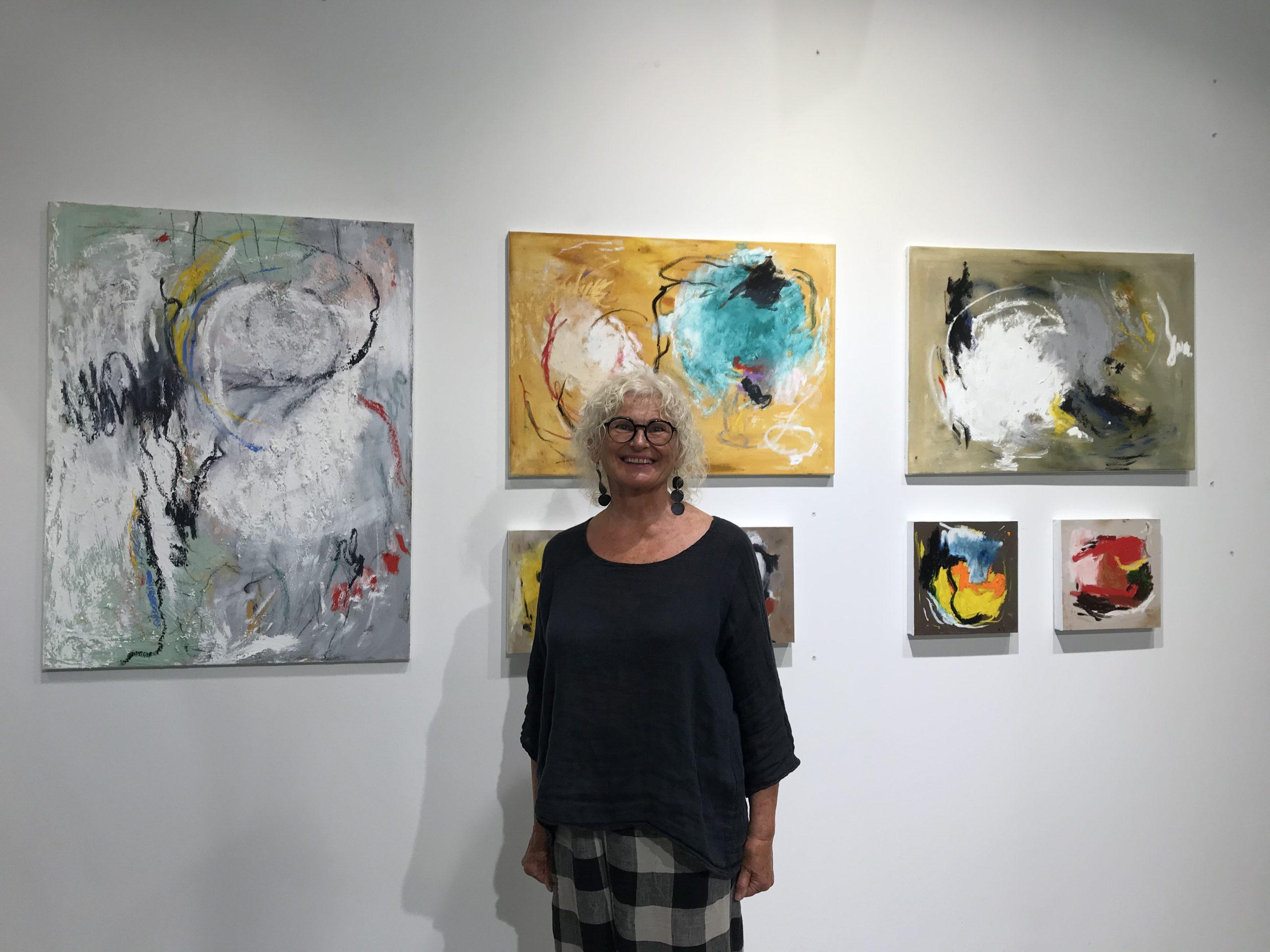 Heinäkuun kuukauden taiteilija: Maija Helin-Åvall