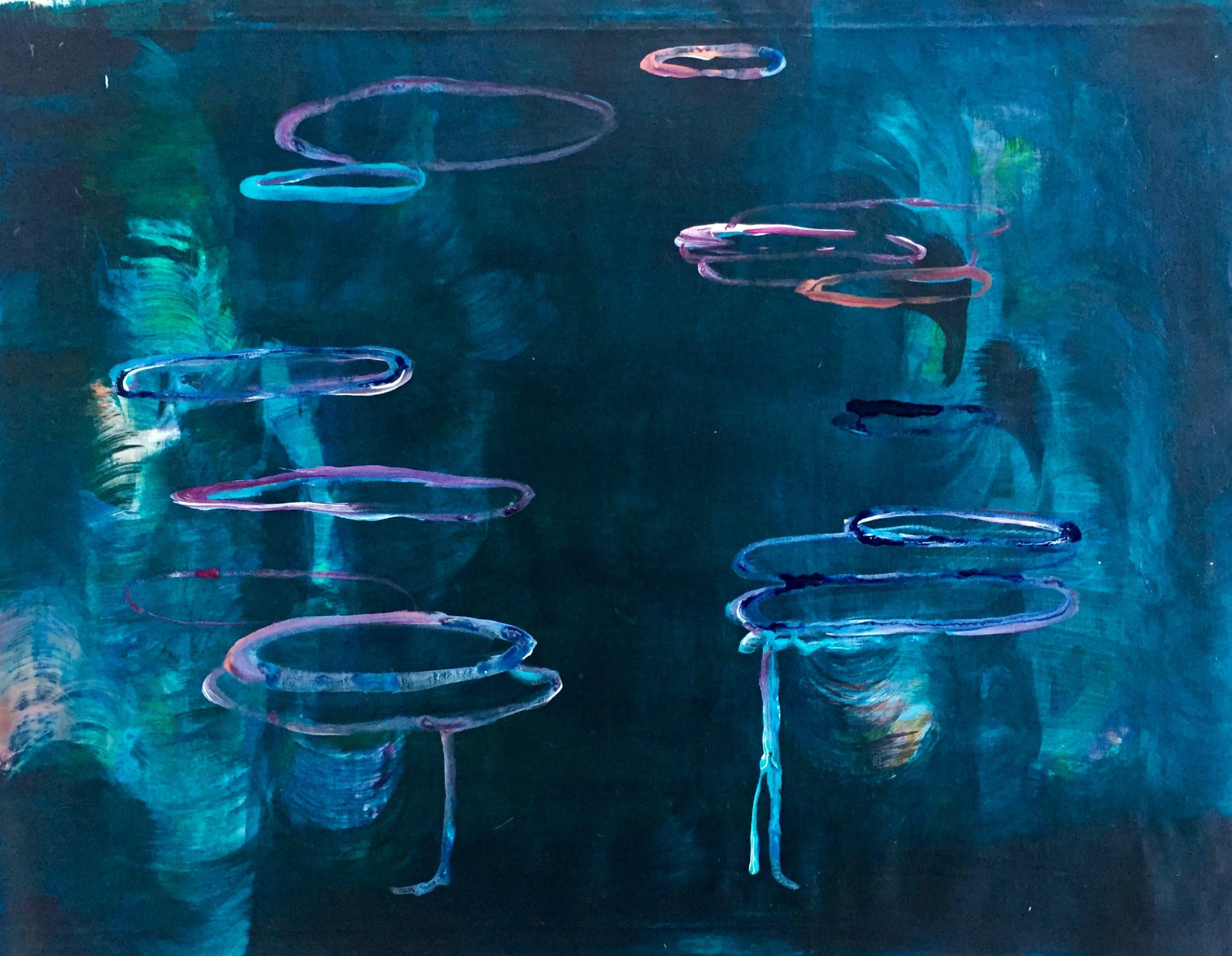 Tummansininen maalaus jossa abstraktisti maalattu puu.
